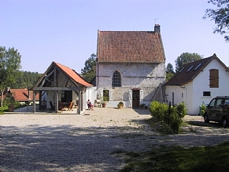 hesdin-house-french-rentals-le-verger-from-field-355242