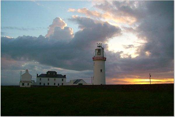 Loop_Head_Lighthouse_-_geograph.org.uk_-_583766